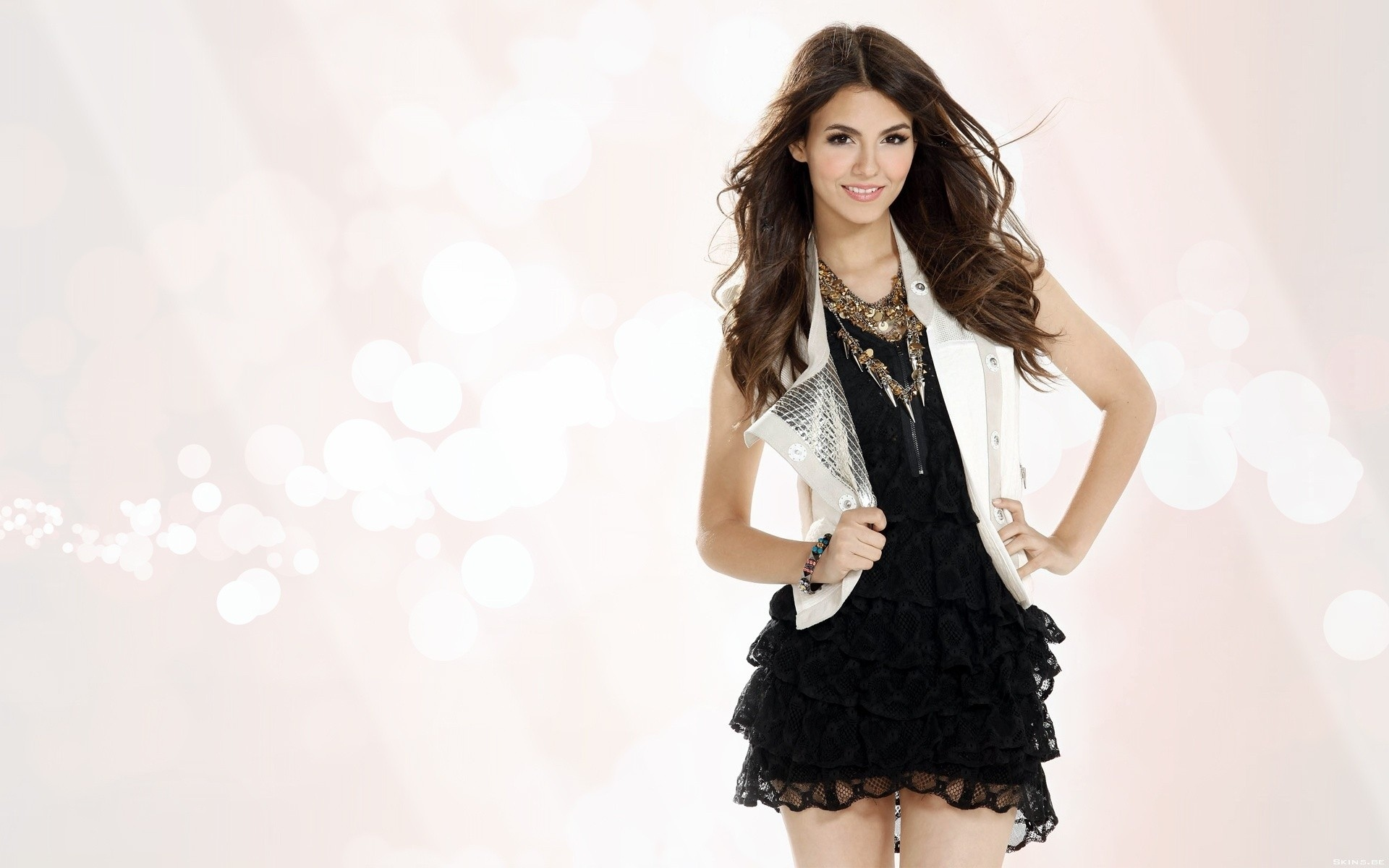 Beauty Victoria Justice Wallpaper PC