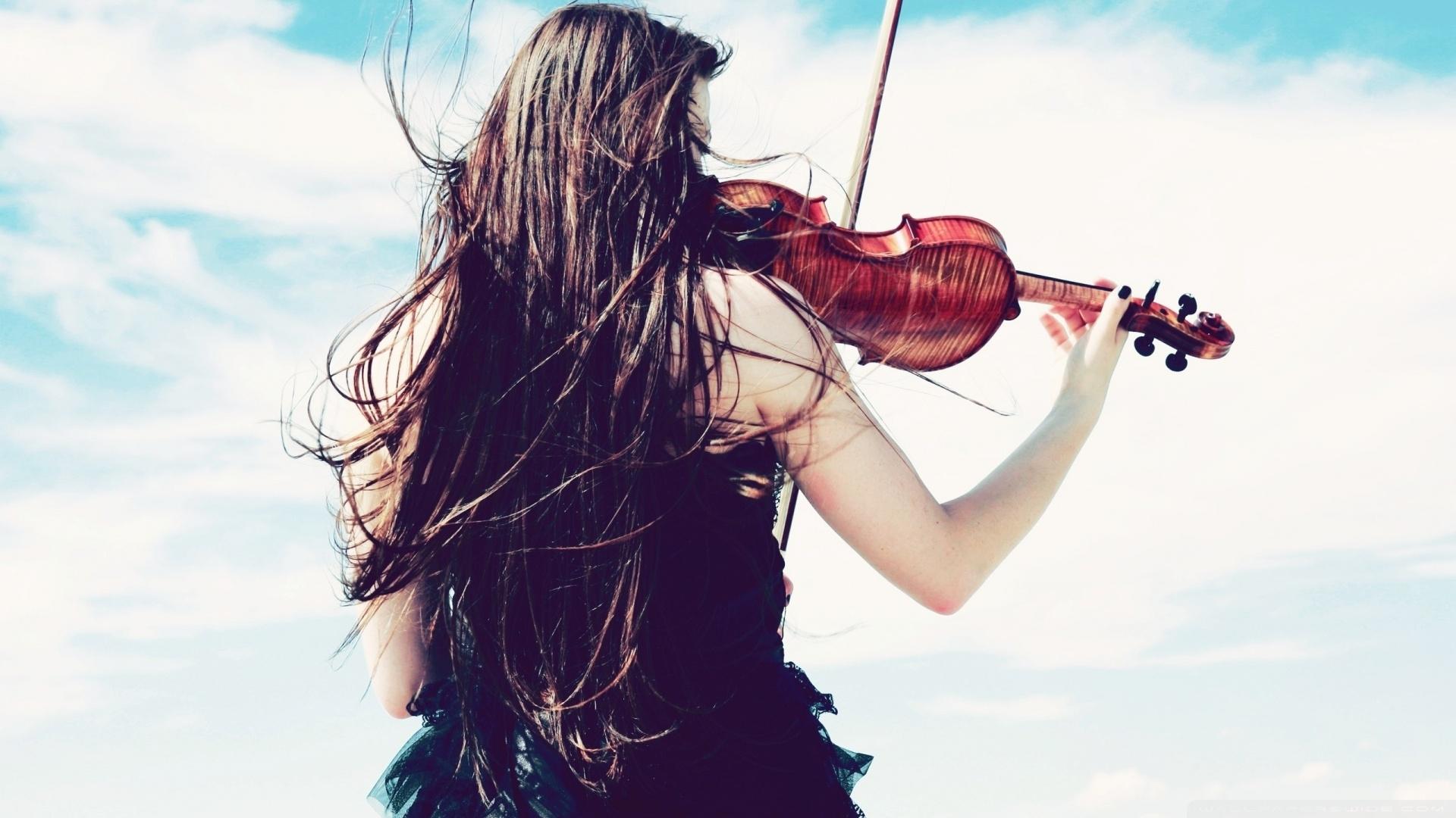 Violinist Wallpaper