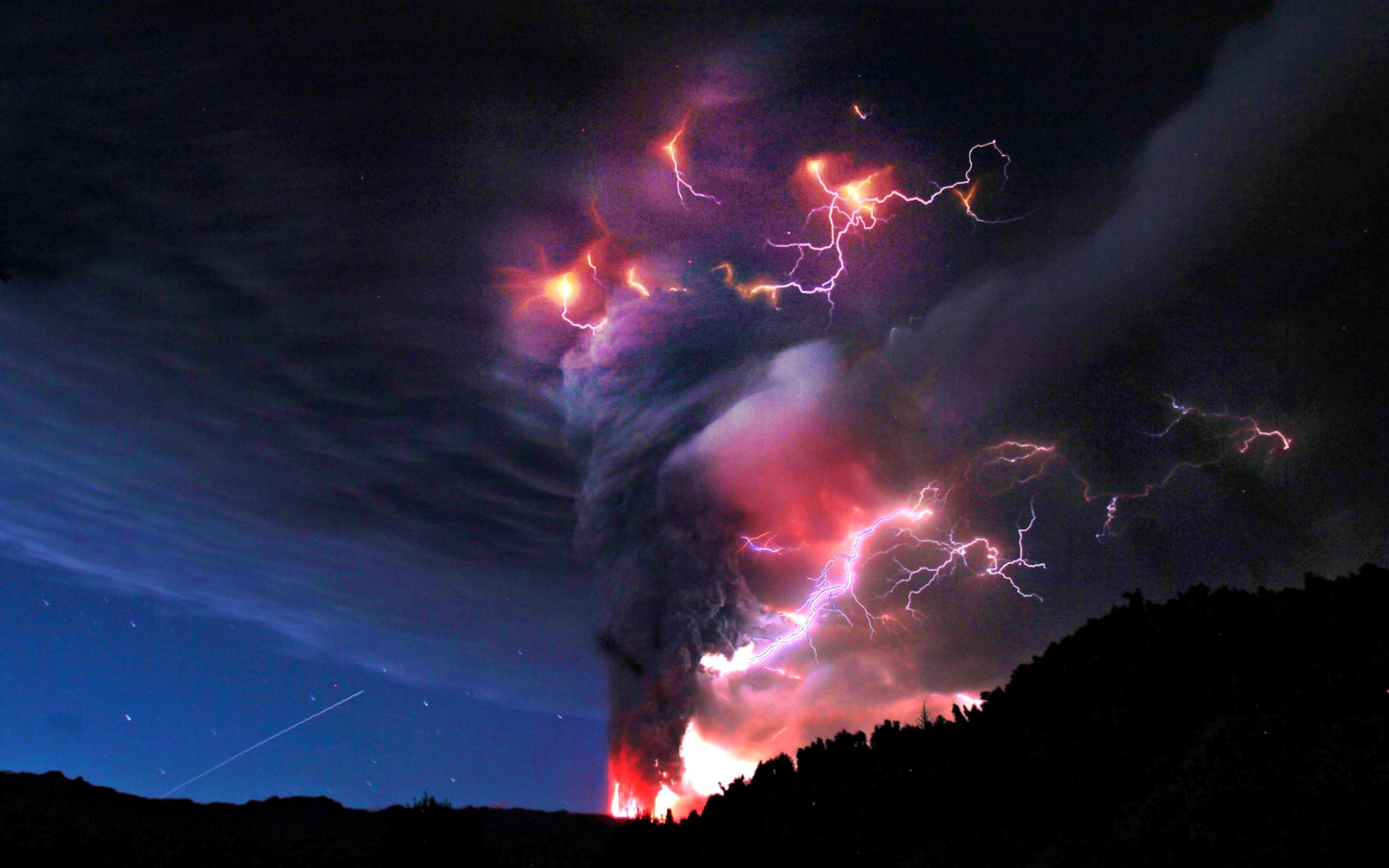 Volcano lightning HQ WALLPAPER - (#149412)