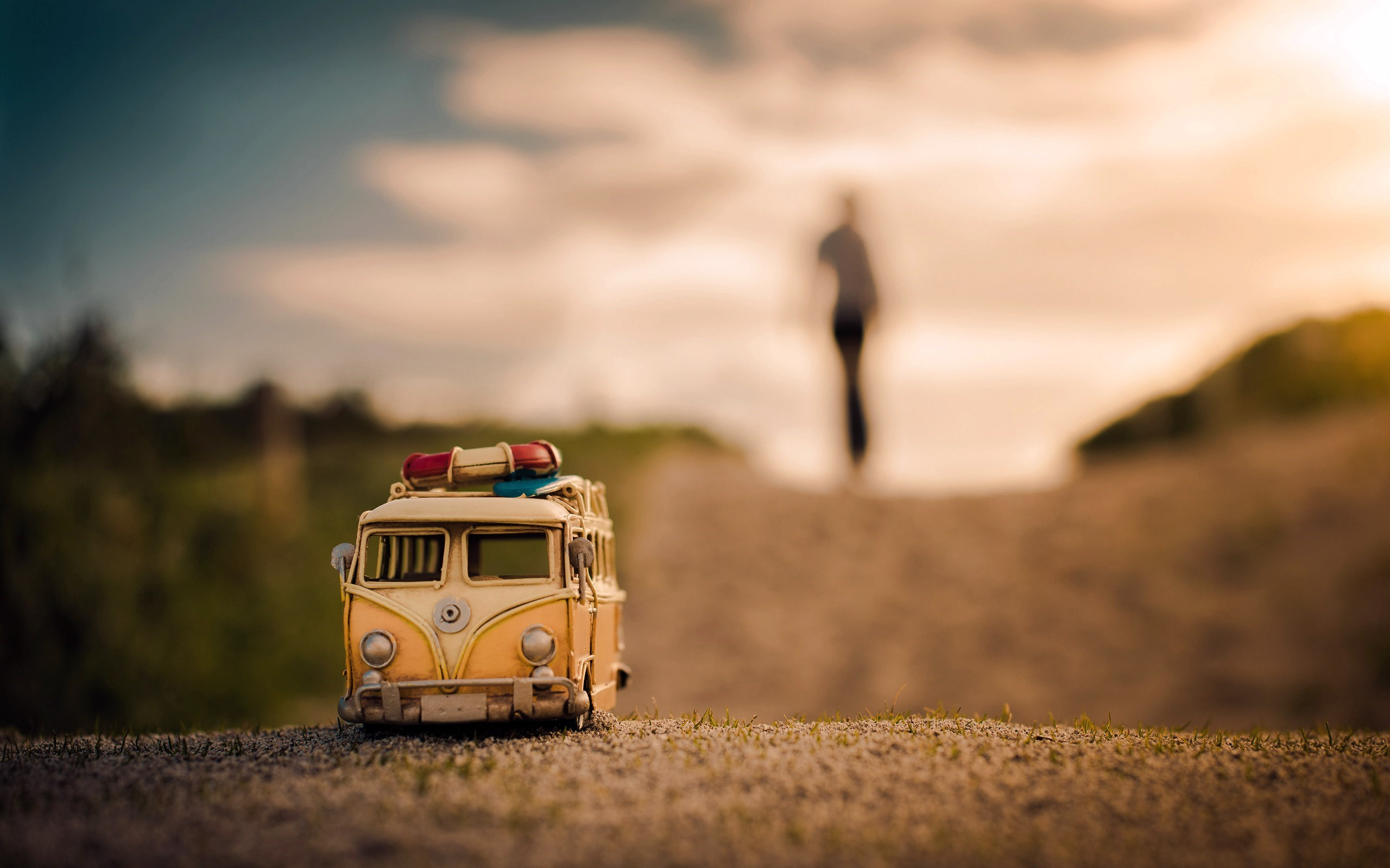 Volkswagen Bus Toy Road