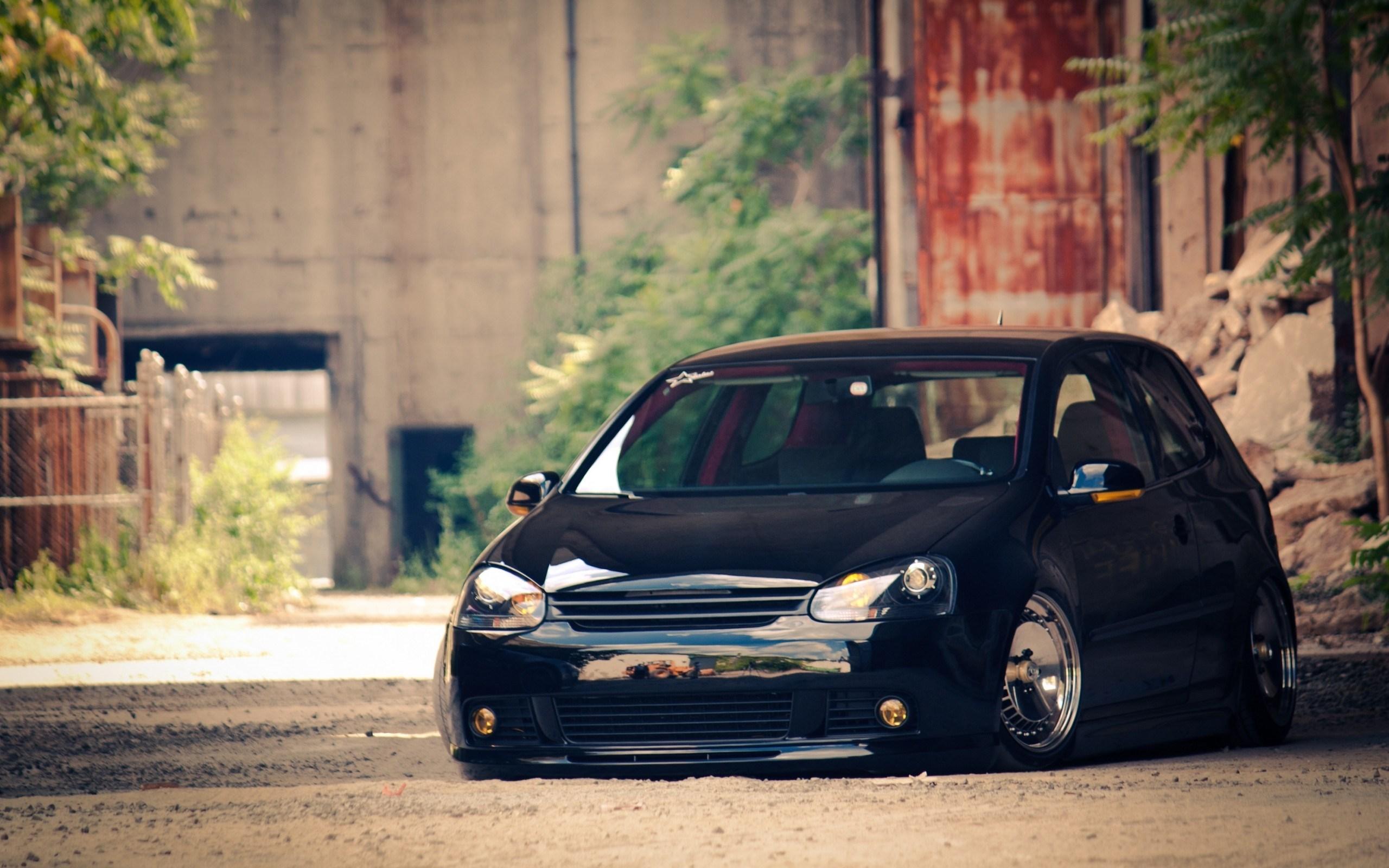 Volkswagen Golf Black Tuning Photo
