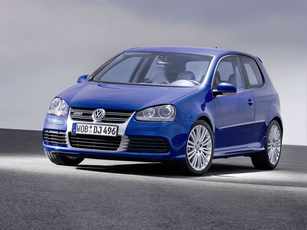 Volkswagen Golf R32 Photo