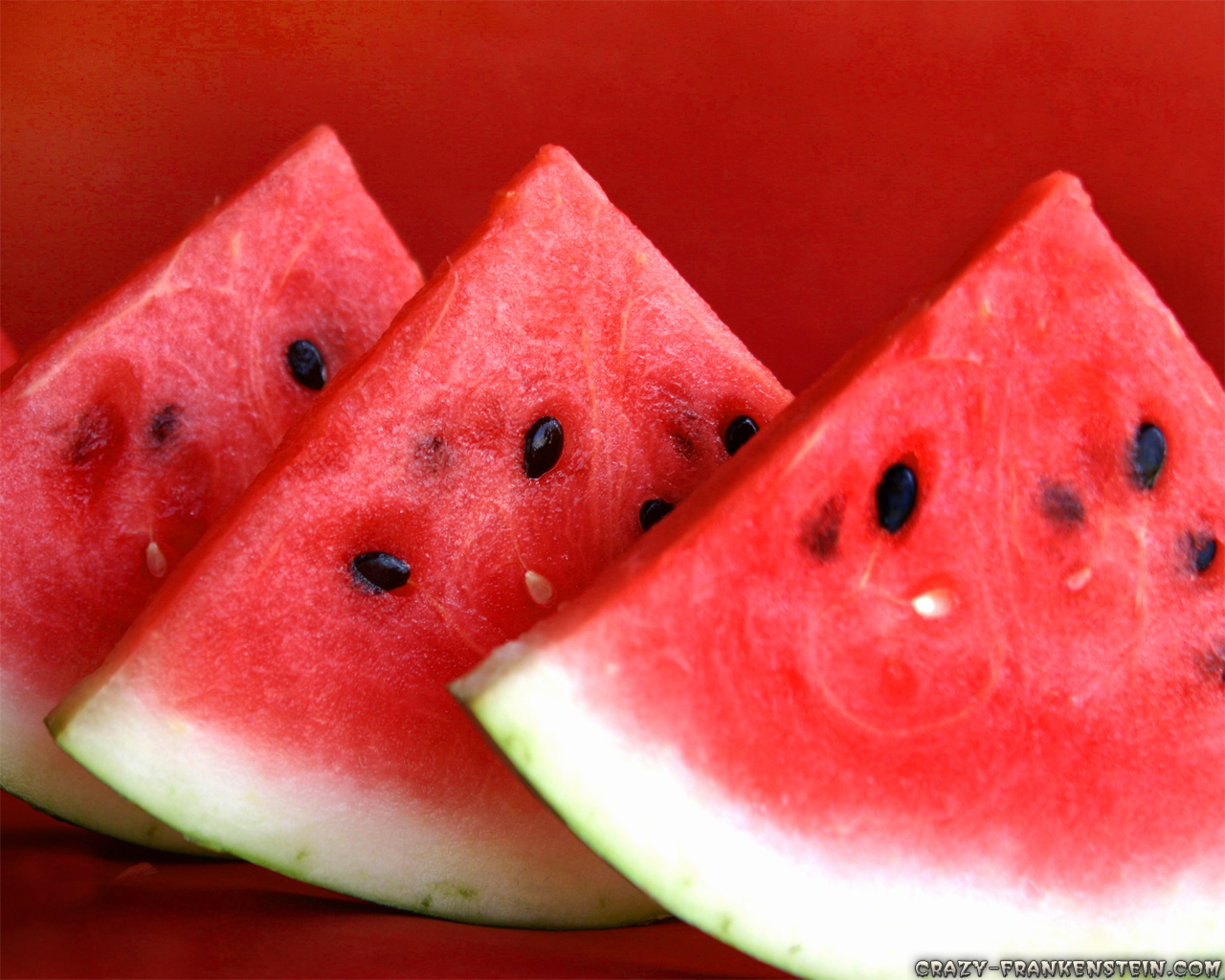 Wallpaper: Sweet watermelon. Resolution: 1024x768 | 1280x1024