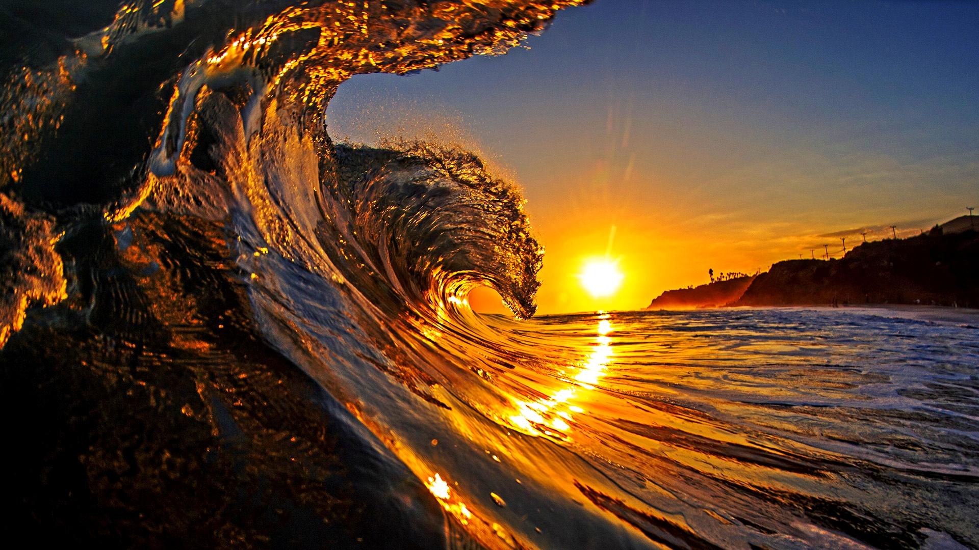 Majestic wave at sunrise, California, USA