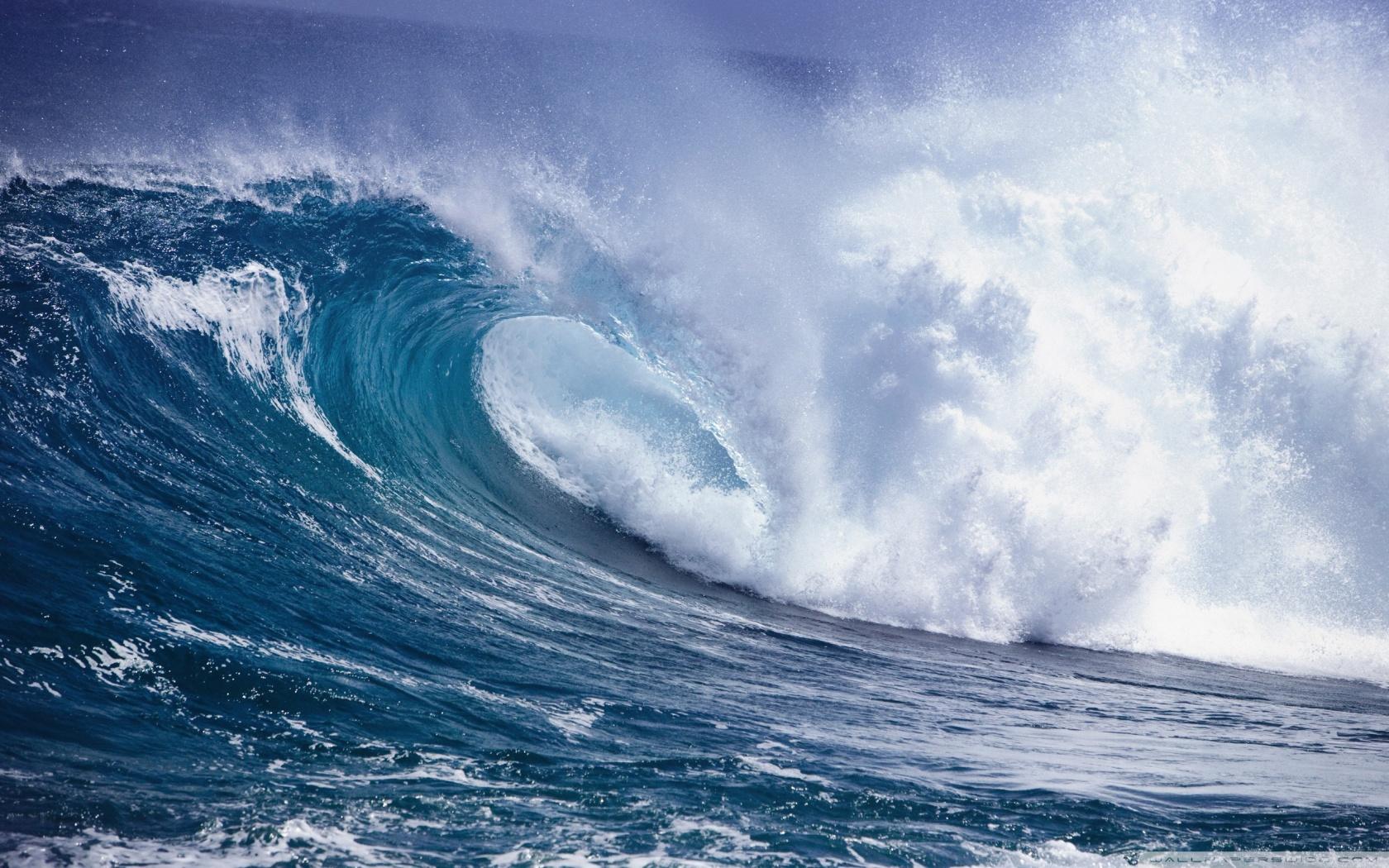 Fascinating Ocean Wave Wallpaper 1680x1050px