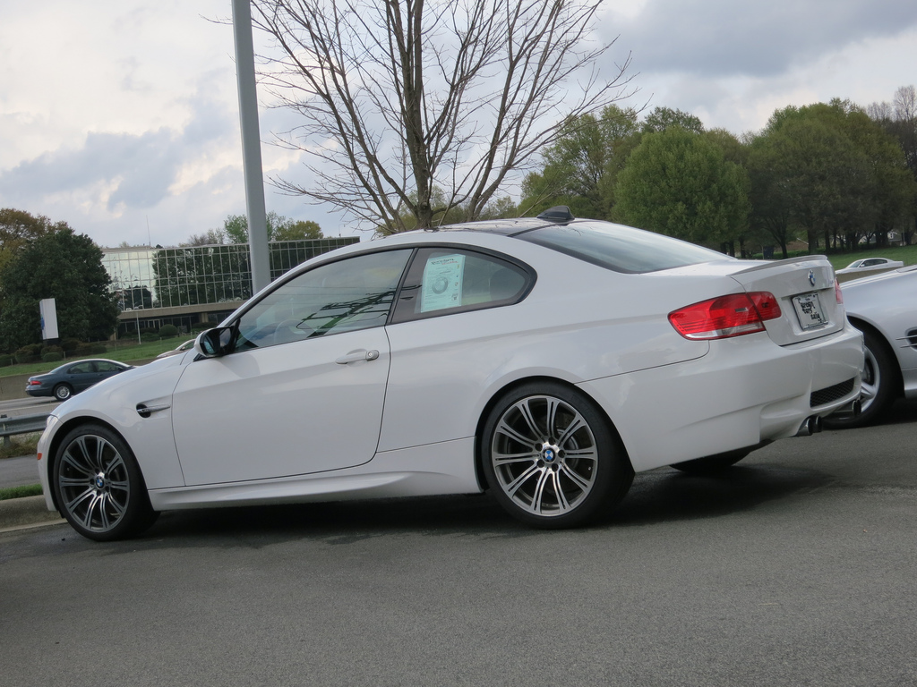 white bmw m3 e92 coupe wallpaper 1024x768 18080. Black Bedroom Furniture Sets. Home Design Ideas