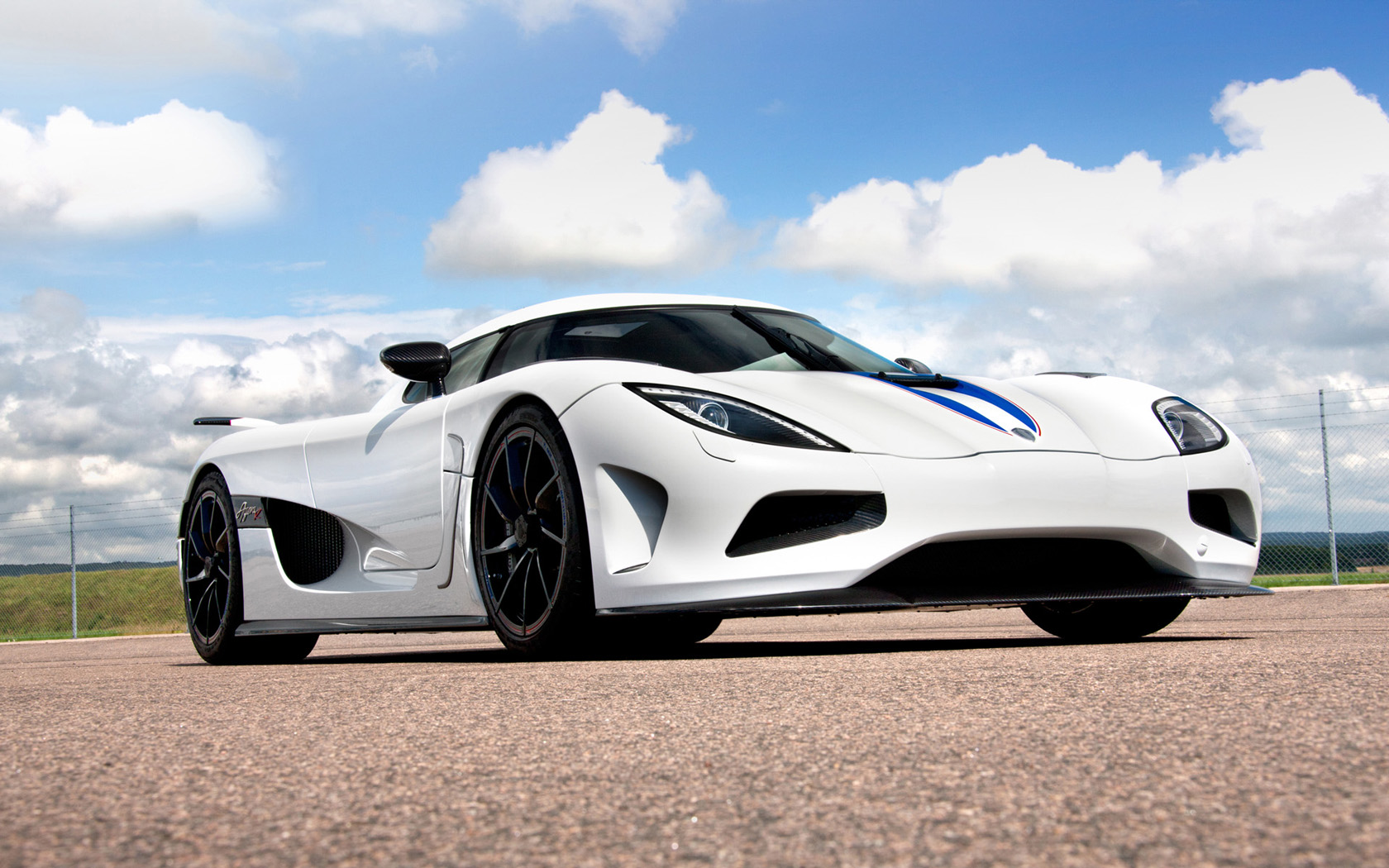 Koenigsegg Agera R White And Black