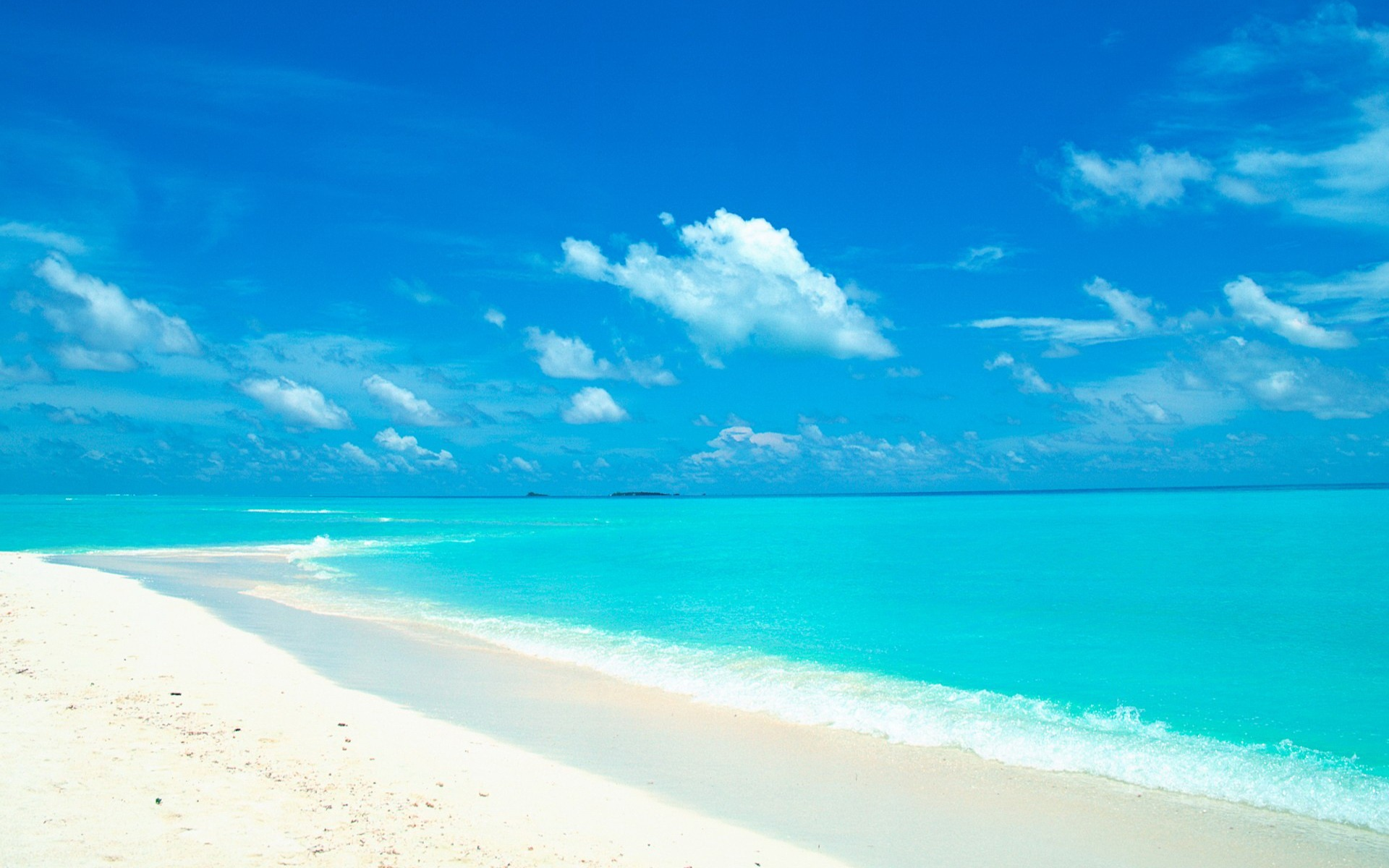 Free White Sand Wallpaper