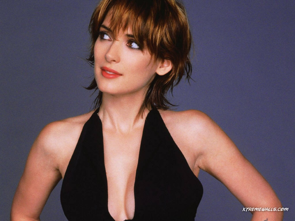 Winona Ryder 1024x768 wallpaper