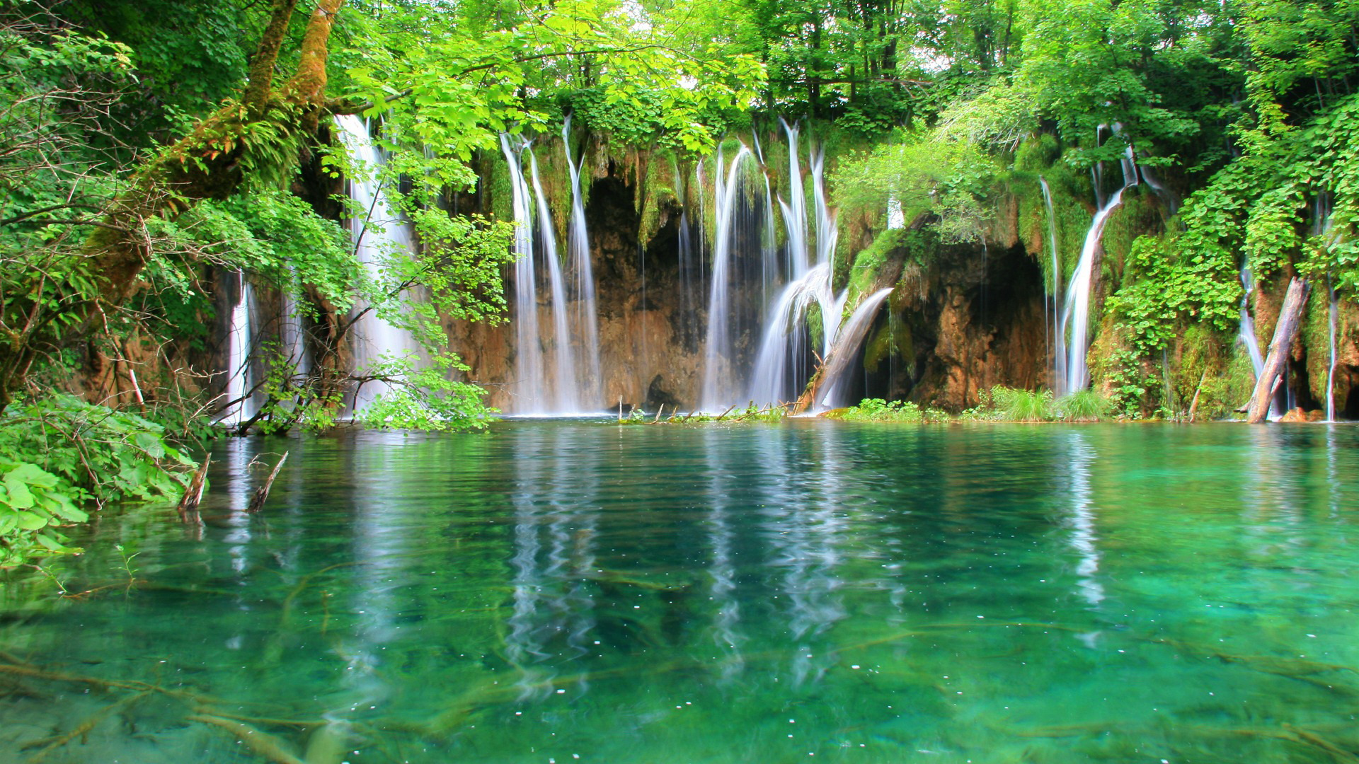 Wonderful Waterfall Wallpaper