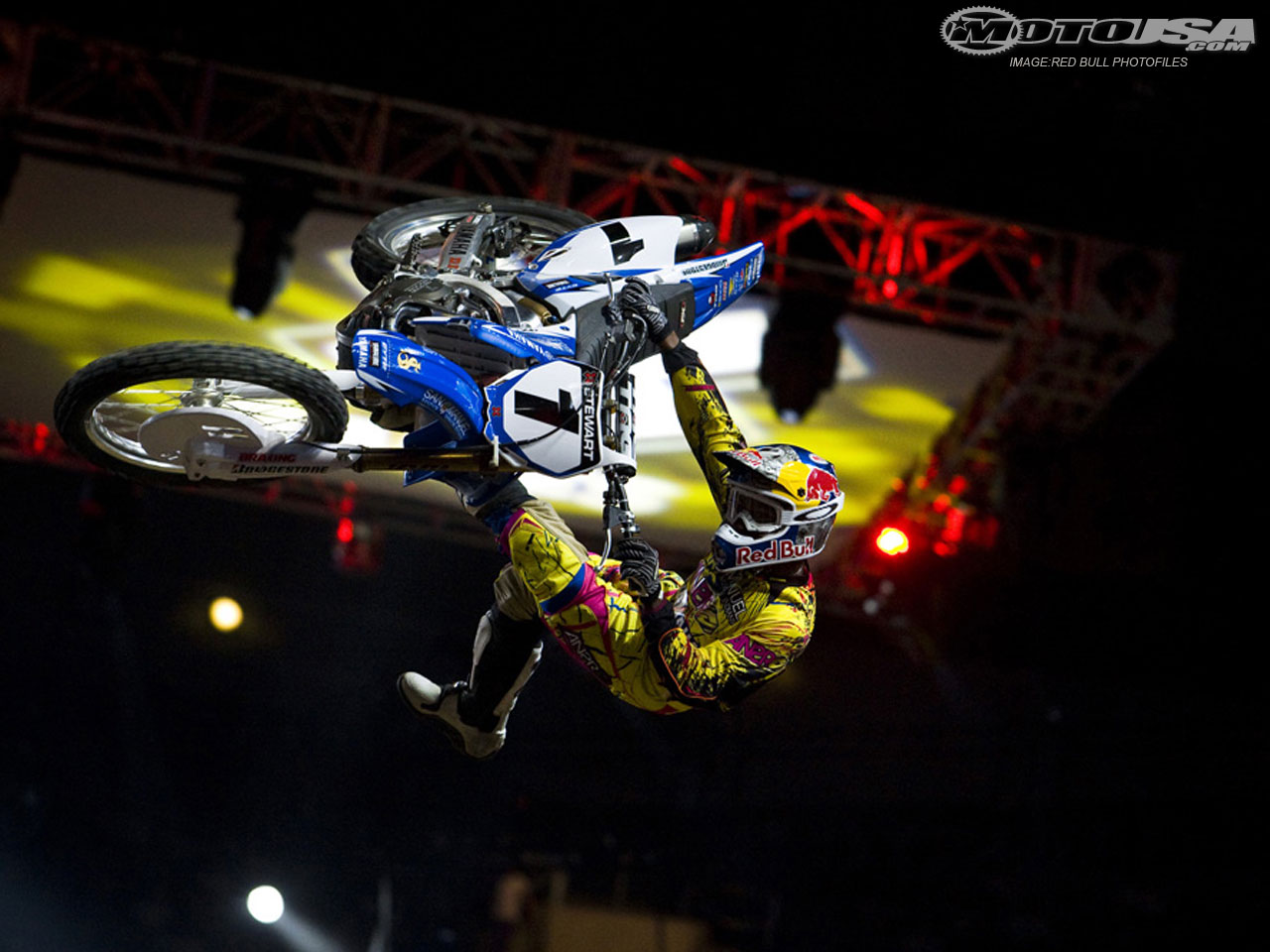James Stewart had to withdraw from Saturday's X Games events after hurting himself during SuperMoto X qualifying.