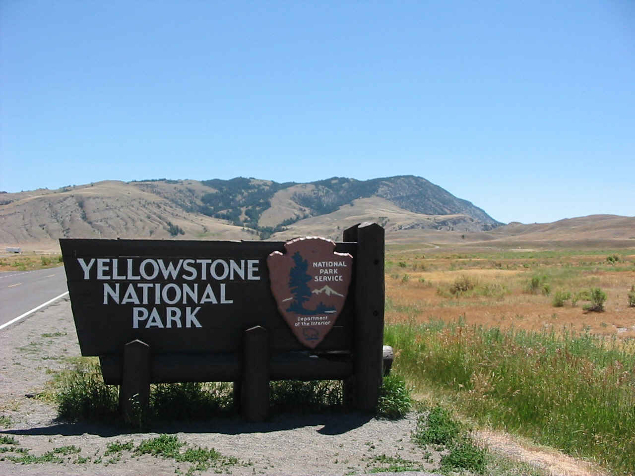 Senior Citizens Locked Inside Yellowstone By Armed Guards Due To Govt. Shutdown - Ben Swann's Truth In Media