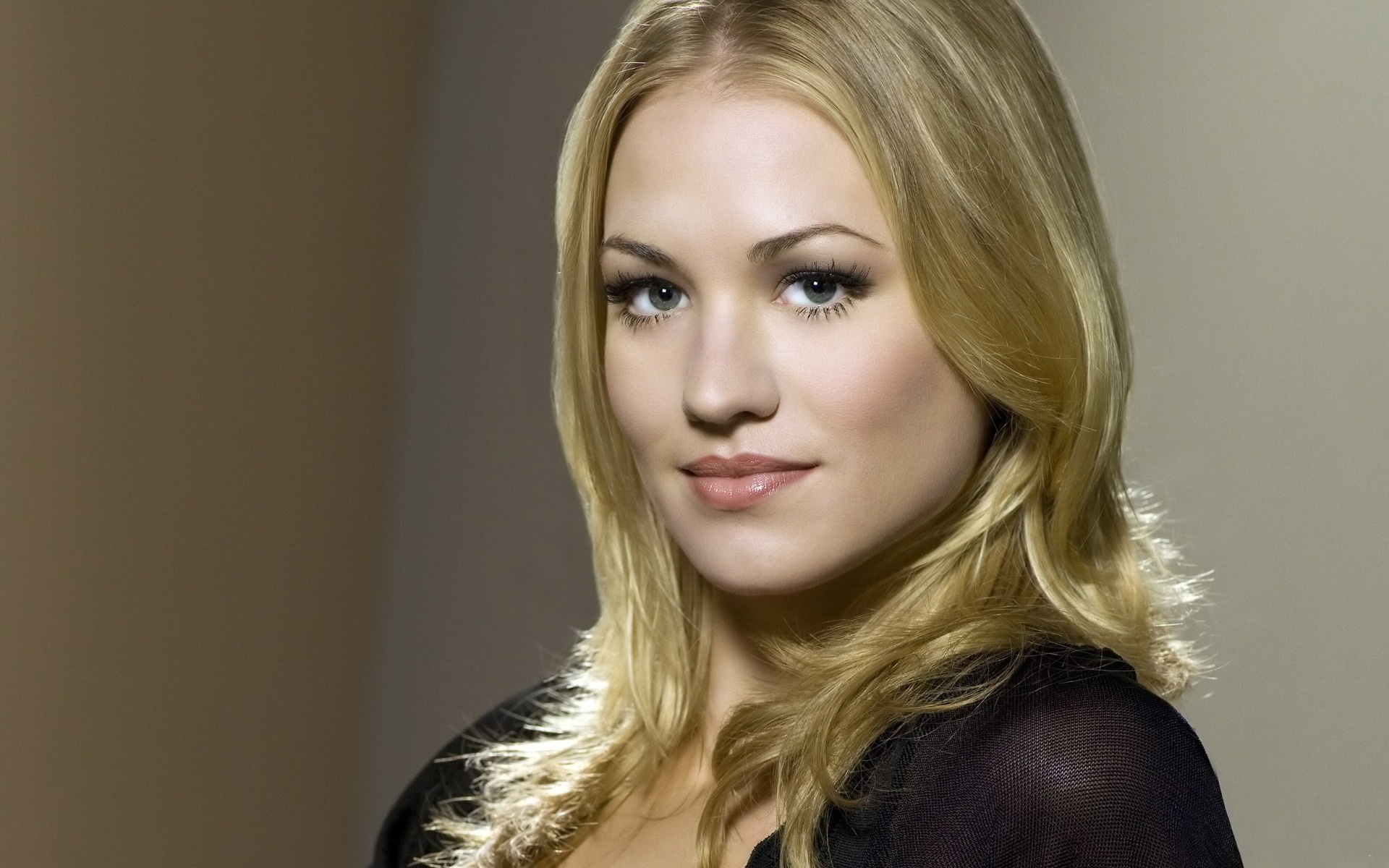 Large Yvonne Strahovski Wallpapers ...