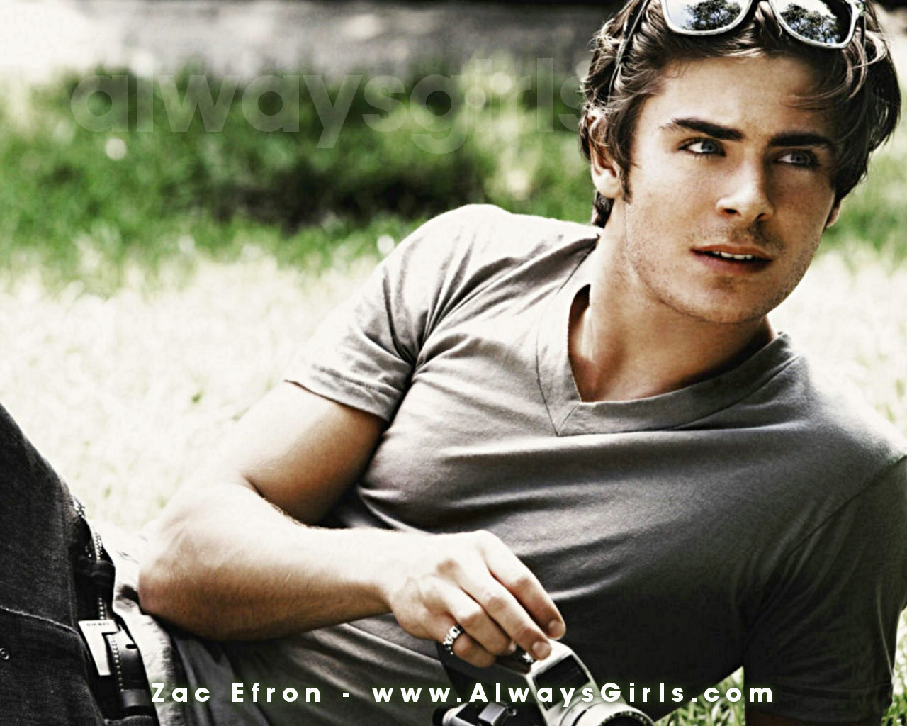 Please check our latest widescreen hd wallpaper below and bring beauty to your desktop. Zac Efron HD Wallpapers