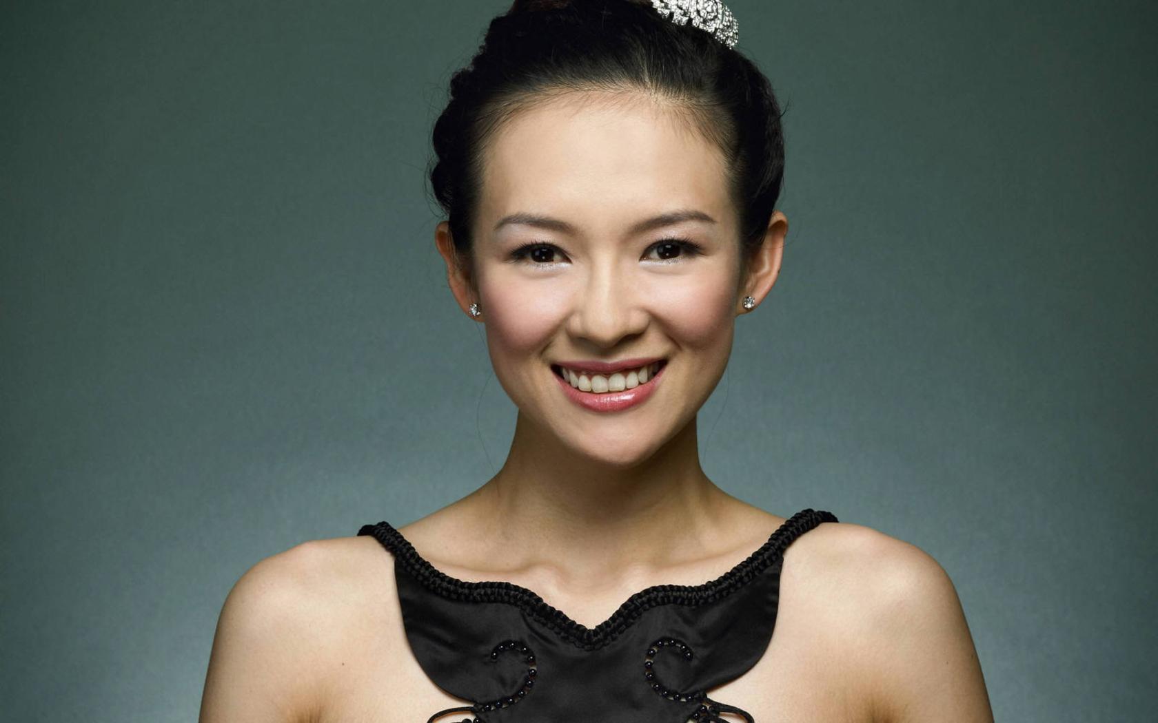 Zhang ZiYi: Woman Of Many Talents