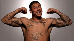 Aaron_Hernandez-Desktop-Photos