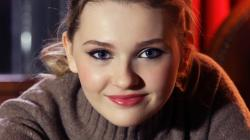 Abigail Breslin Wallpapers-0