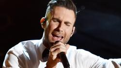 Oscars 2015: Adam Levine Performance Ripped on Social Media | Hollyscoop News