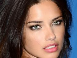 Adriana Lima Pictures « Picture News