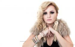 Alexandra Stan desktop wallpaper