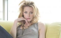 Sexy Amber Heard Wallpaper