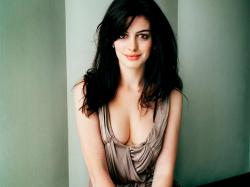 Anne Hathaway Photos 3 HD Images Wallpapers
