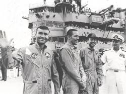 Terrifying hour of vintage audio + video recounts Apollo 13 disaster in real time   Blastr