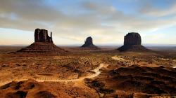 Monument Valley: Navajo Tribal Park, Arizona