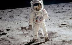 space-mission-astronaut-astronaut-on-the-moon-wallpaper