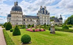 Lovely Chateau Wallpaper