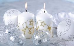 Free Holiday Candles Wallpaper