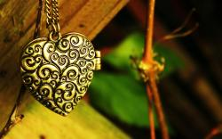 thin branches metal heart pendant chain