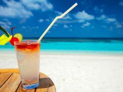 COCKTAILS beach cocktail