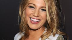 Blake Lively beautiful wallpaper #10 - 1366x768.