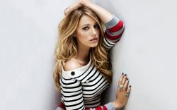 Pretty Blake Lively in striped sweater HD wallpaper 2560x1600 ...