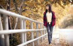 Beautiful Girl Street Autumn HD Wallpaper