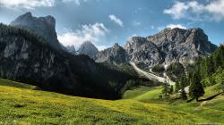Beautiful Mountain Meadow wallpapers HD