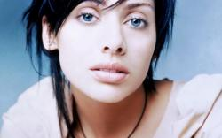 1280x800 Beautiful Natalie Imbruglia Close-up. How to set wallpaper on your desktop?