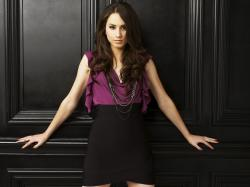 Fans Can Chat Live With 'Pretty Little Liars' Star Troian Bellisario - Ratings | TVbytheNumbers.Zap2it.com