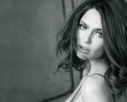 Wallpaper Tags: celebrity models people beautiful black and white bianca balti italian