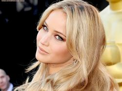 Jennifer Lawrence Blonde Background 1 HD Wallpapers