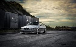 BMW M5 E39 Road Containers