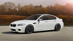 BMW M5 F10 white car wallpaper 1600x900.