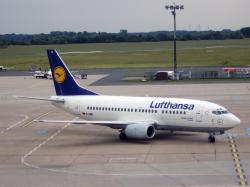 Airlines flying the Boeing 737-500 pax