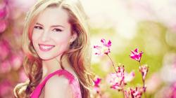 Bridgit Mendler HD Wallpaper