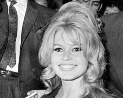 big-brigitte-bardot-smile. » »