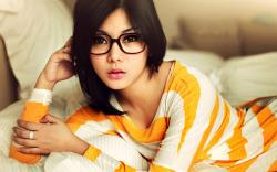 Brunette Glasses Beauty Model Fashion Photo