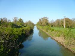 File:Canal des Ormes.JPG
