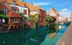 Canal houses bruges belgium