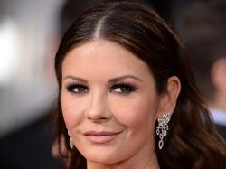 Catherine Zeta-Jones : Méconnaissable à cause de la chirurgie esthétique [Pho... - telestar.fr